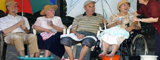 क्यों गरीब और बुजुर्ग एक गर्म जलवायु के लिए सबसे अधिक संवेदनशील हैं