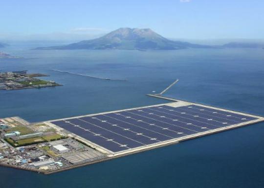 日本在尋求結束對核電的依賴時轉向浮動太陽島