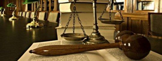 Cara Menjadi Pengacara Tanpa Pergi ke Sekolah Hukum