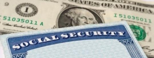 Hoe behoort sosiale sekerheidsvoordele te reageer op 'n ekonomiese ineenstorting?