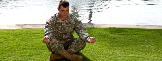 योग पोस्ट-ट्रॉमेटिक स्ट्रेस डिसऑर्डर के साथ युद्ध के दिग्गजों में मदद करता है