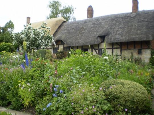 Anne Hathaway bahçeleri