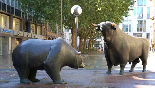 O que as taxas de juros baixas tem feito para o mundo e os prováveis efeitos de um aumento