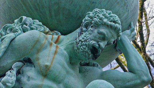 虽然阿特拉斯经常浪漫,他的工作吮吸