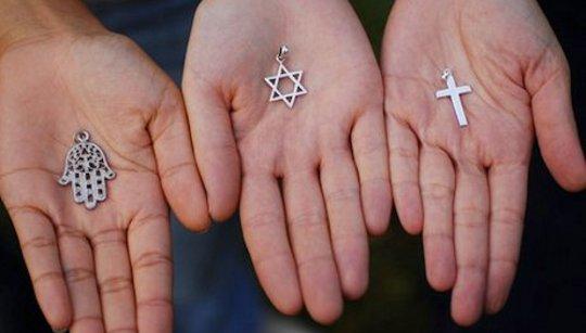 Bridging Øst og Vest Religioner og Tro