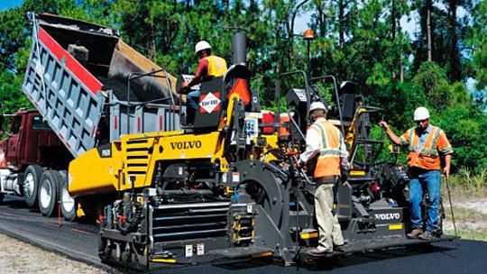 США должны инвестировать в своих рабочих и дорогах для поддержания работы