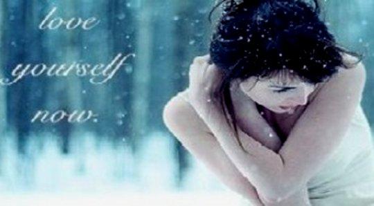 Emotionaaliset kyynärpäät: rakastavat kaikkia itseäsi, hyvää ja huonoa
