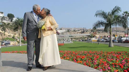 """""""Kärleks ursäkter"""" kommer i vägen att falla i kärlek vid vilken som helst ålder eller etapp"""