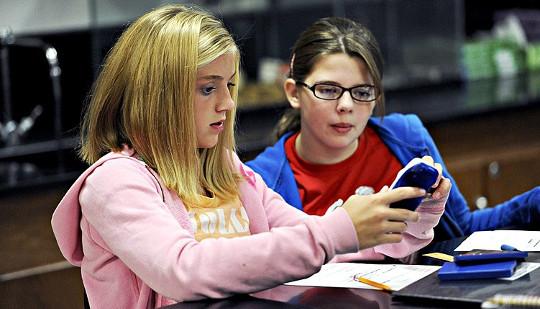 Varför inte göra klassrummet om att lära och inte testa?