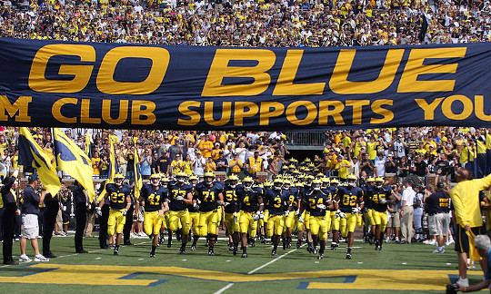 Ha l'Università del New Allenatore di football del Michigan bisogno di Food Stamps?