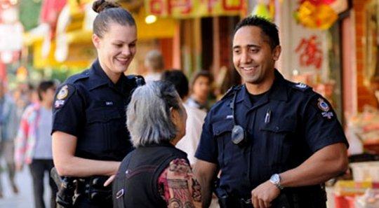 چگونگی درک مفهوم بین پلیس و جوامع ما را امن تر می کند