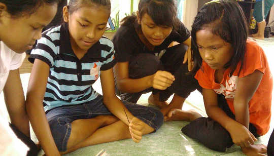 Unlike Adults, Teens Pitch In Despite Income Inequality