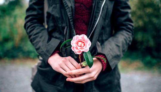Apakah Feminisme Membunuh Romance?