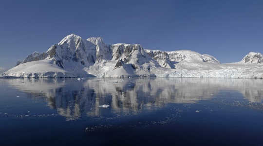 The Antarctic peninsula shows wide natural climate variability. Image: Courtesy of British Antarctic Survey