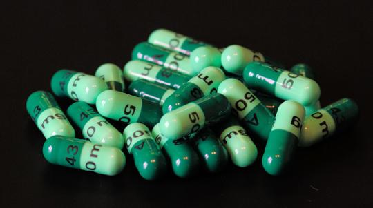 چه اتفاقی می افتد وقتی آنتی بیوتیک ها کار را متوقف کنند؟