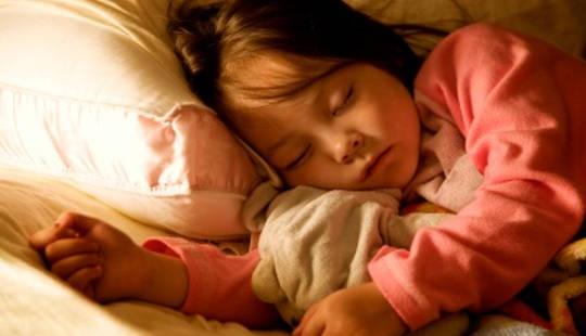 Bed-Wetting hos eldre barn og unge voksne er vanlig og behandles