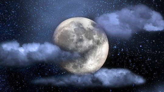Qual è la differenza tra le lune blu: stagionale, calendaria o astrologica