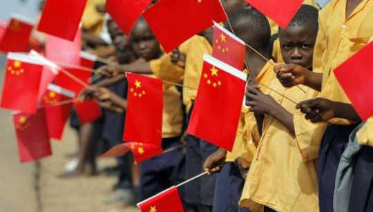 Como e porque a China se tornou o maior doador de ajuda da África