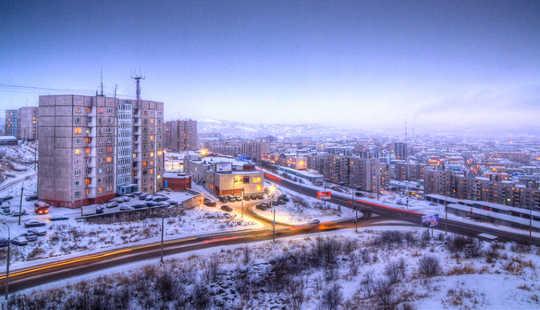 Murmansk, i det nordvestlige hjørnet av Russland, er den største byen i Arktis. Euno, CC BY
