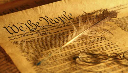 Почему президент будет нарушать Конституцию, если он продолжит владеть своими делами