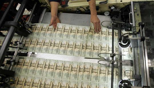 A idéia do dinheiro do helicóptero está fazendo um retorno