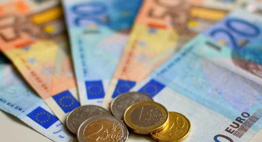 dinero finlandia 1 10
