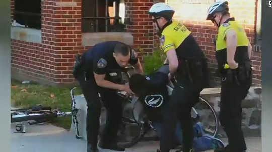 Miksi niin vaikea löytää kuka kuolee poliisivankeudessa?