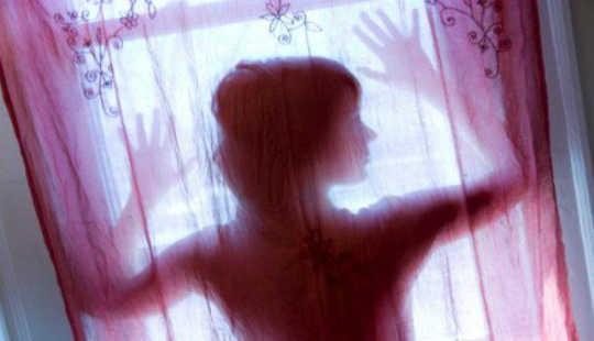 Varför är det svårt att orka Ghosts of Romantic Pasts?