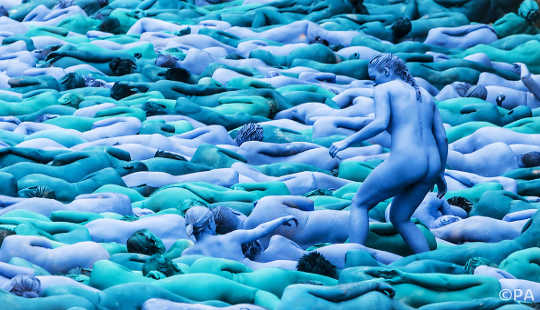 Melangkah Naked Dalam Publik Adalah Pelepasan Yang Hebat Untuk Minda Dan Tubuh