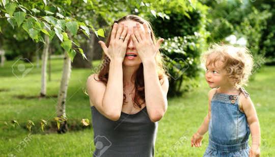 Waarom jong kinders is verskriklik om weg te steek