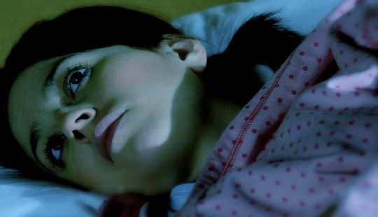 masalah iSleep juga boleh membuat satu lingkaran penyakit mental. Alyssa L. Miller / Flickr, CC BY