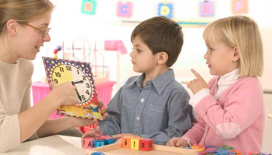 為什麼幼兒園的孩子需要自我控制的教訓