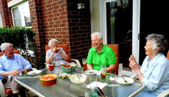 Fremskredende alder kan sette scenen for en forståelse av humor. Ann Fisher, CC BY-NC-ND