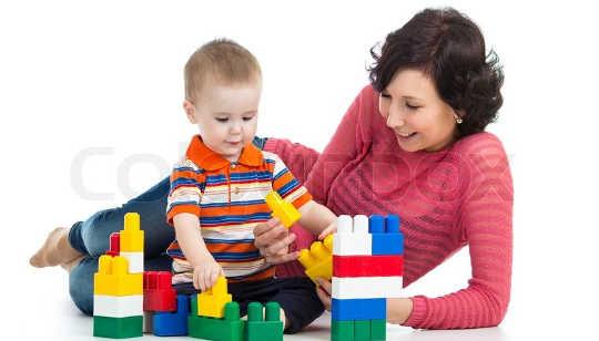 Babys achten Aufmerksamkeit, wenn Eltern tun
