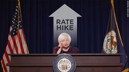 連邦準備制度は金利を引き上げるよう促している