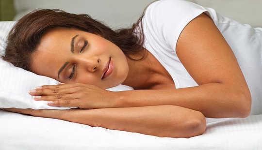 är Melatonin länken mellan sömn och bröstcancer?
