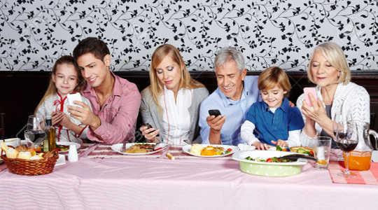 Ovatko älypuhelimet häiritseviä kaikkia oireita ADHD: sta?
