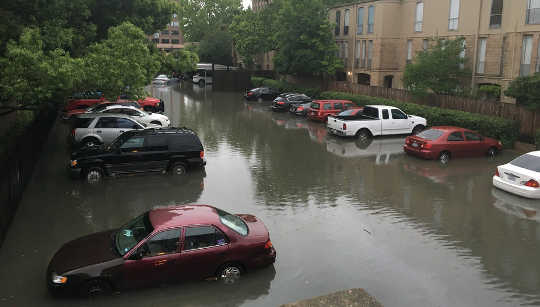 Inundaciones en Houston, abril 18, 2016. Laurence Simon / Flickr, CC BY-SA