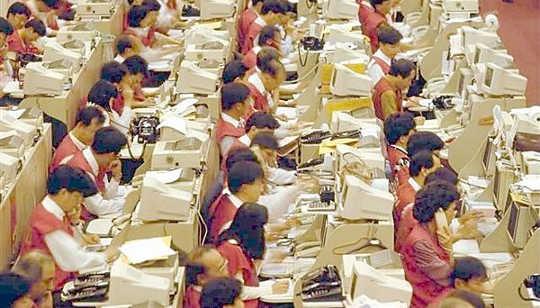Neden Küresel Bir Ekonomide İş Neden Daha İntiharlara Yol Açıyor?