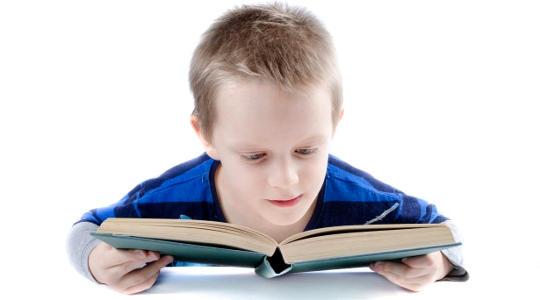 Warum Kinder, die mehr schlafen, bessere Noten bekommen
