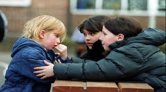 Trauma beeinflusst die Gehirne von Jungen und Mädchen in entgegengesetzte Richtungen