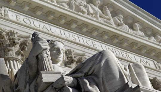 Cómo el Tribunal Supremo convirtió la desigualdad económica en algo mucho peor