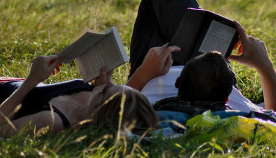 When Reading With Your Children, Should It Be Books Or Tablets?