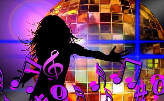 È tempo per noi che la gente faccia la musica e la danza insieme