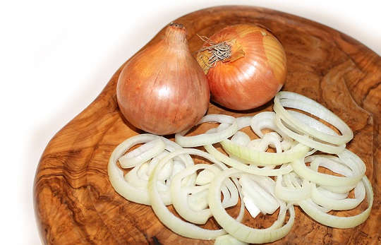 Why Some Onions Make Us Cry And Some Don't