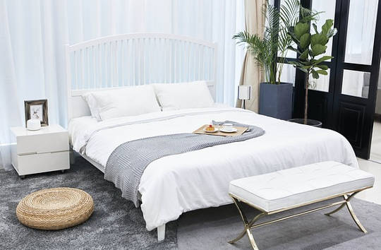 How To Organize Your Bedroom Into An Oasis of Serenity and Simplicity