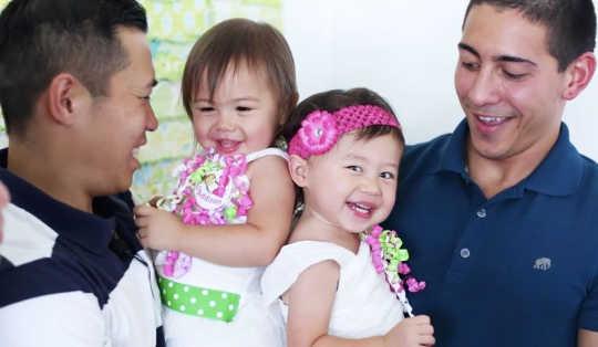 Hoe 'n gesin met 2 Dads hul kinders oprig