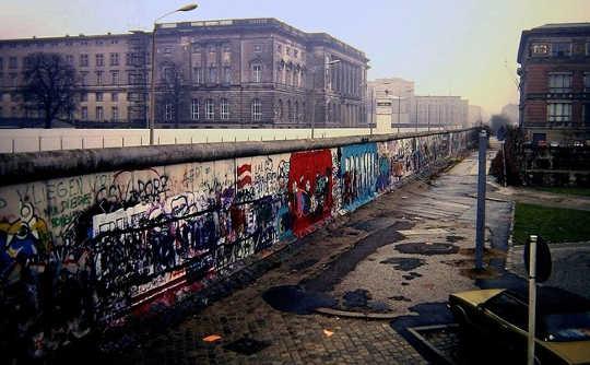 ¿Por qué las paredes grandes y hermosas no detienen a los migrantes?