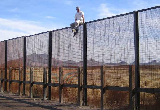与墨西哥的一堵墙的环境代价
