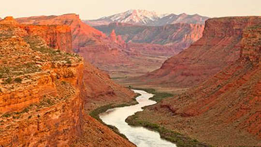 Ang Colorado River Flow Could Drop 50% Sa pamamagitan ng 2100